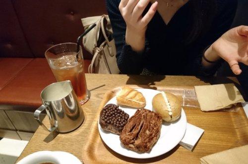 熟女とカフェ