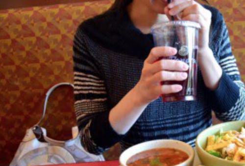 人妻とカフェ