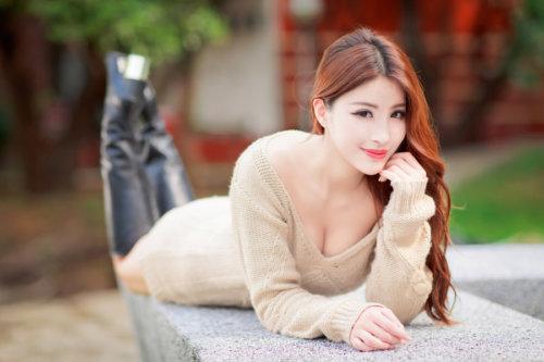 エロい女性画像1