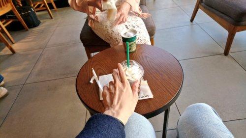 カフェで雑談