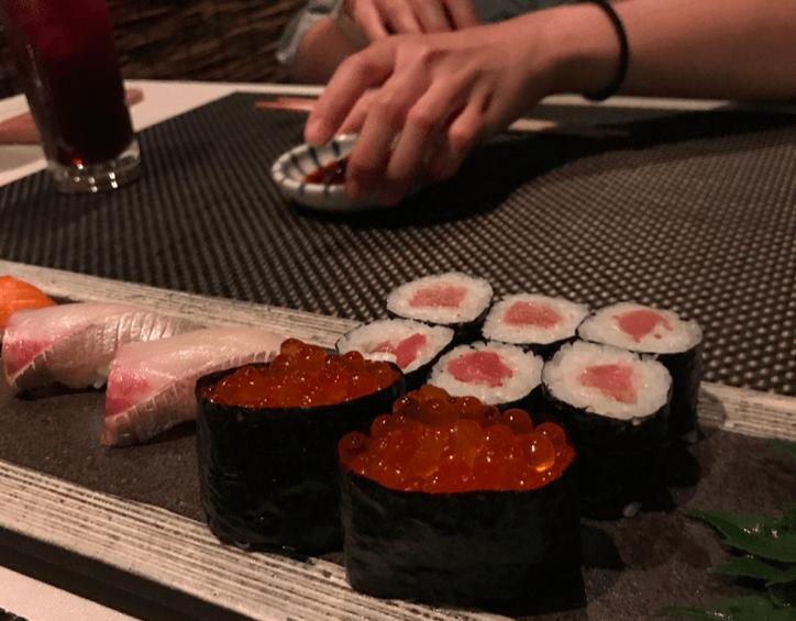 AV女優と寿司